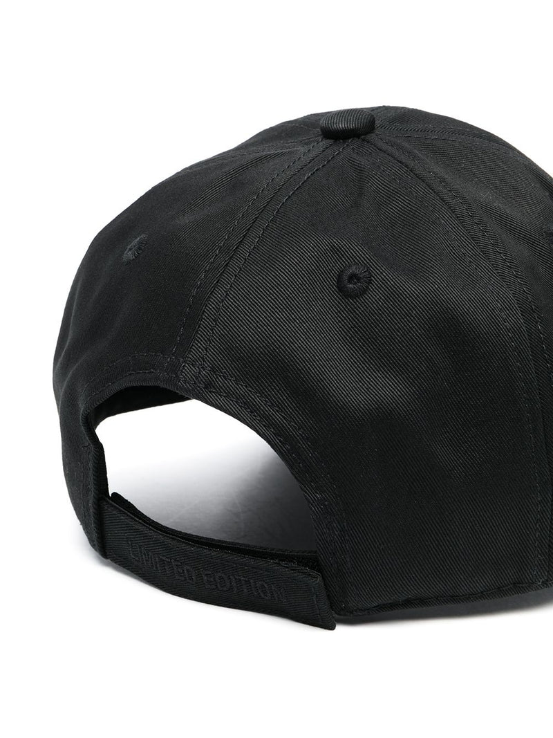 VETEMENTS THINK DIFFERENTLY LOGO CAP