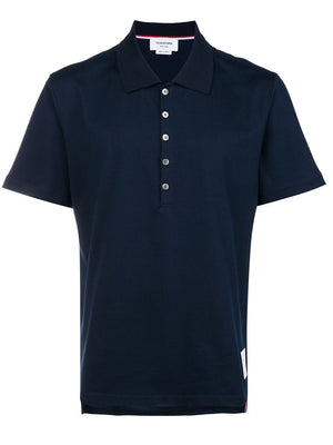THOM BROWNE MEN RELAXED FIT SS POLO W/ SIDE SLIT IN MEDIUM WEIGHT JERSEY