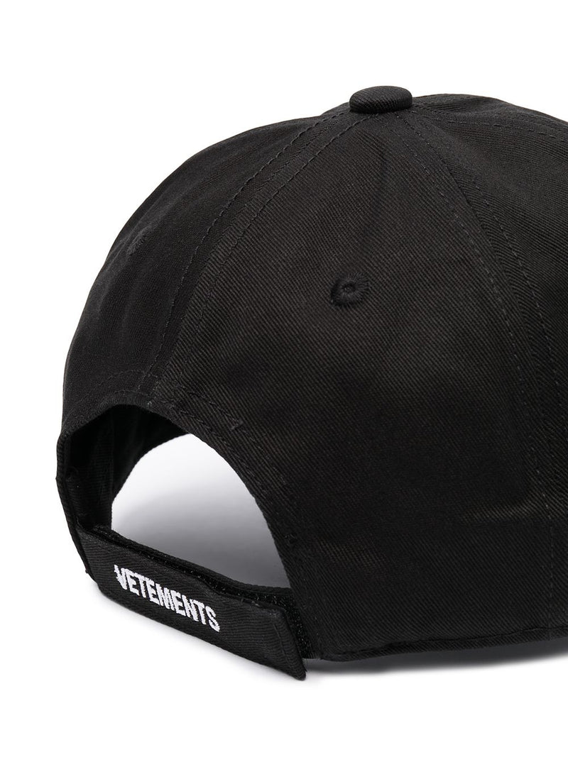 VETEMENTS UNISEX LOGO LIMITED EDITION CAP