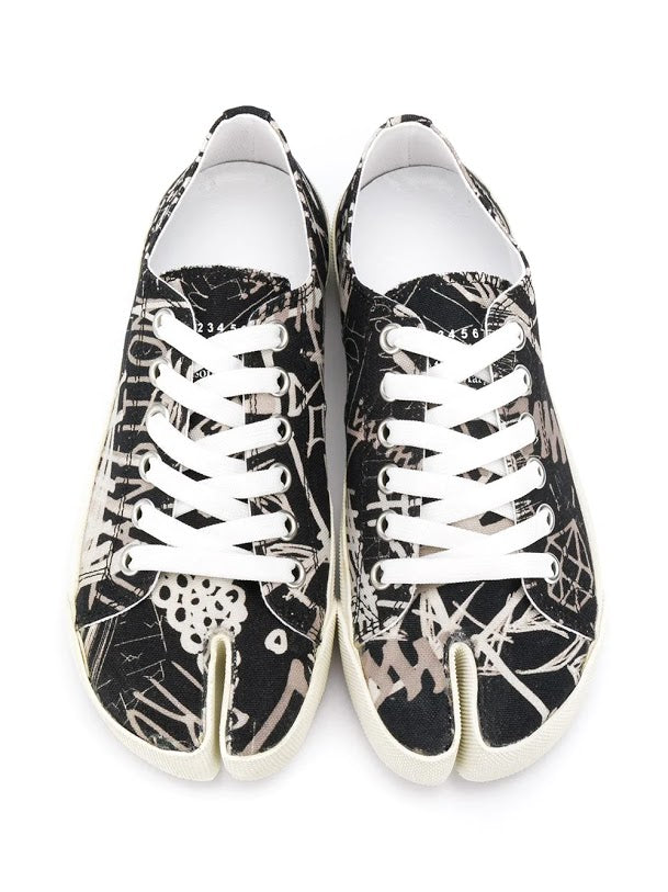 MAISON MARGIELA WOMEN GRAFFITI PRINT TABI SNEAKERS