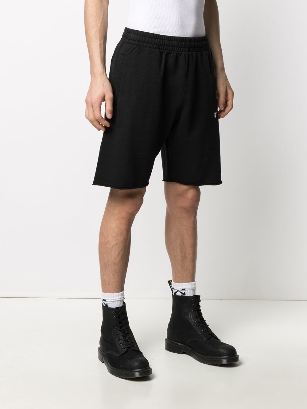 OFF-WHITE MEN OW LOGO SWEATSHORTS
