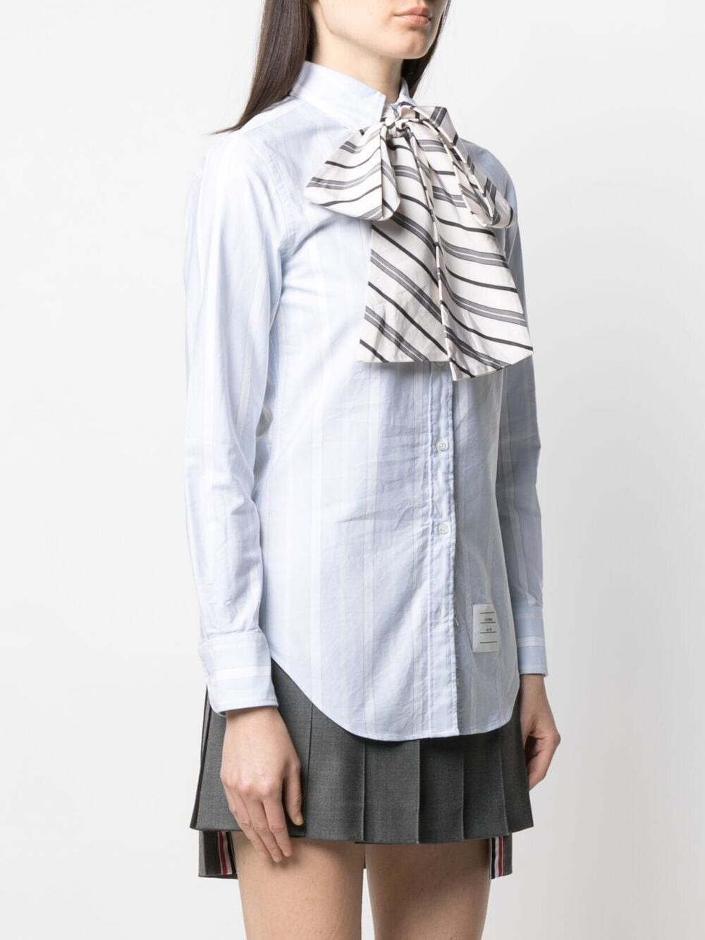 THOM BROWNE WOMEN CLASSIC L/S POINT COLLAR BUTTON DOWN W/COMBO BOW TIE IN VARIEGATED REP STRIP OXFORD
