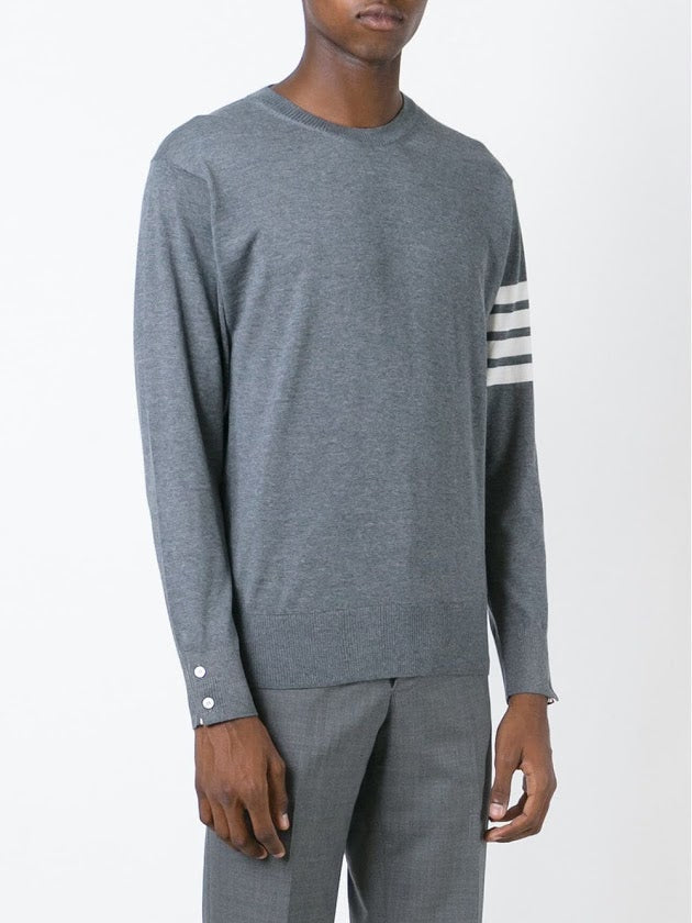 THOM BROWNE MEN CLASSIC CREWNECK PULLOVER IN FINE MERINO WOOL
