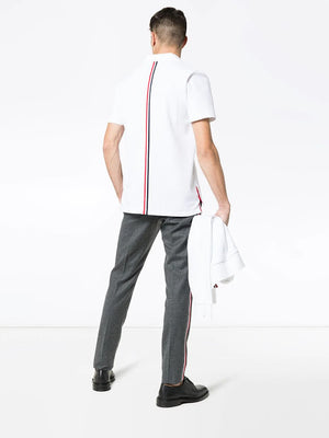 THOM BROWNE MEN RELAXED FIT SS POLO W/ CB RWB STRIPE IN CLASSIC PIQUE