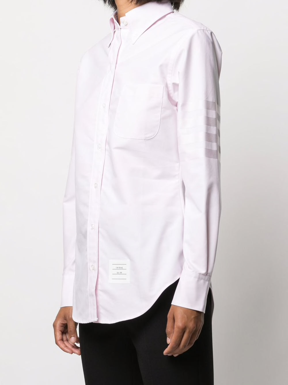 THOM BROWNE WOMEN CLASSIC LONG SLEEVE POINT COLLAR BUTTONDOWN SHIRT IN OXFORD SATIN SEAVE ENGINEERED 4 BAR STRIPE