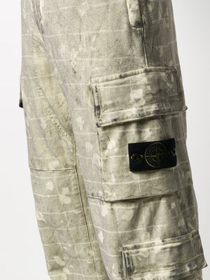 STONE ISLAND MEN PRINTED CARGO PANTS