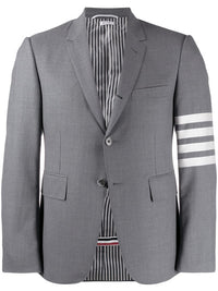 THOM BROWNE MEN CLASSIC SB S/C IN ENGINEERED 4 BAR PLAIN WEAVE SUITING