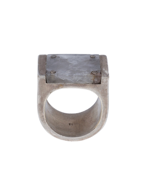 PARTS OF FOUR MEN PLATE RING SINGLE