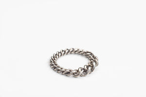 JULIA ZIMMERMANN FRAGILE RING WITH GROWING CURB LINKS