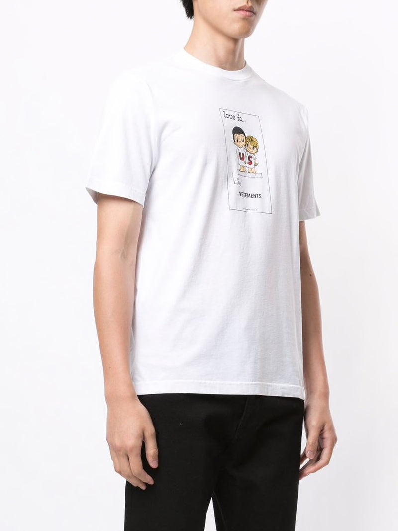 VETEMENTS UNISEX LOVE IS VETEMENTS T-SHIRT
