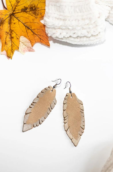 Oak River Feather Earrings - Natural/Grey