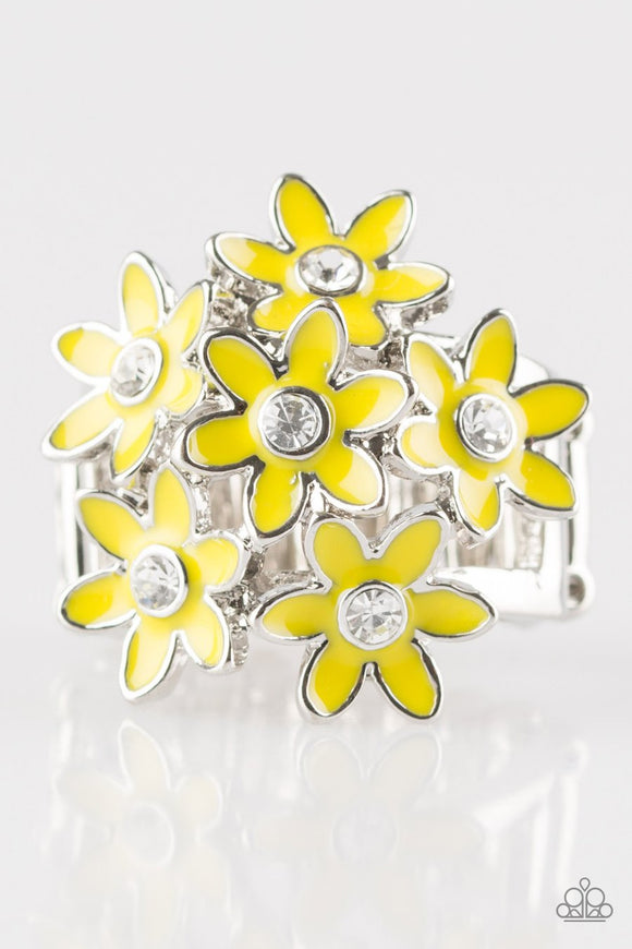 Paparazzi Blooming Bouquets - Yellow Daisy - Rhinestones - Ring - 2018 Exclusive piece from the Summer Party Pack!