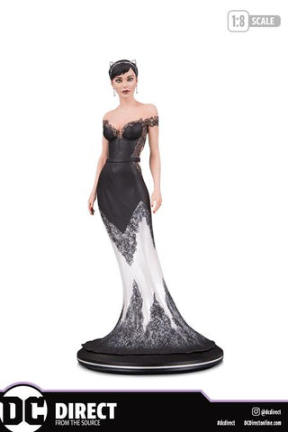 DC COVER GIRLS: CATWOMAN WEDDING DRESS BY JOELLE JONES STATUE