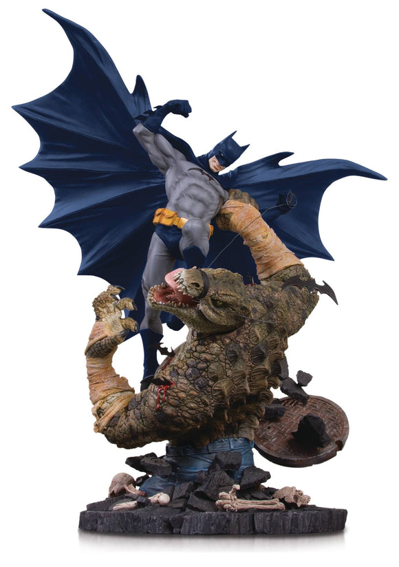 BATMAN VS KILLER CROC MINI BATTLE STATUE