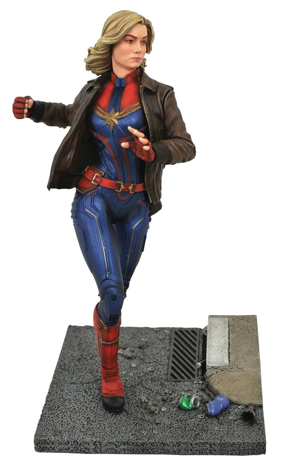 MARVEL PREMIERE CAPTAIN MARVEL MOVIE STATUE