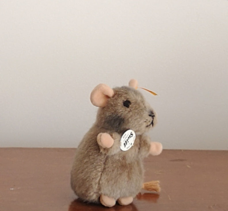 Mouse cuddly toy