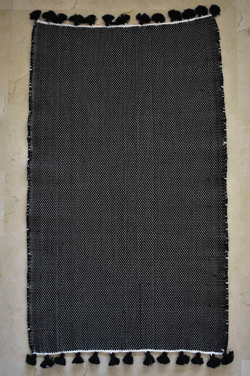 Zayen Handwoven Bath Mat in Black