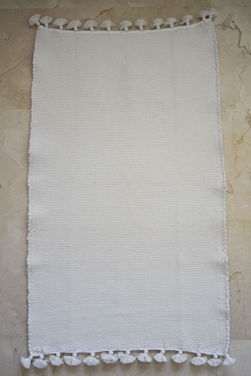 Zayen Handwoven Bath Mat in White