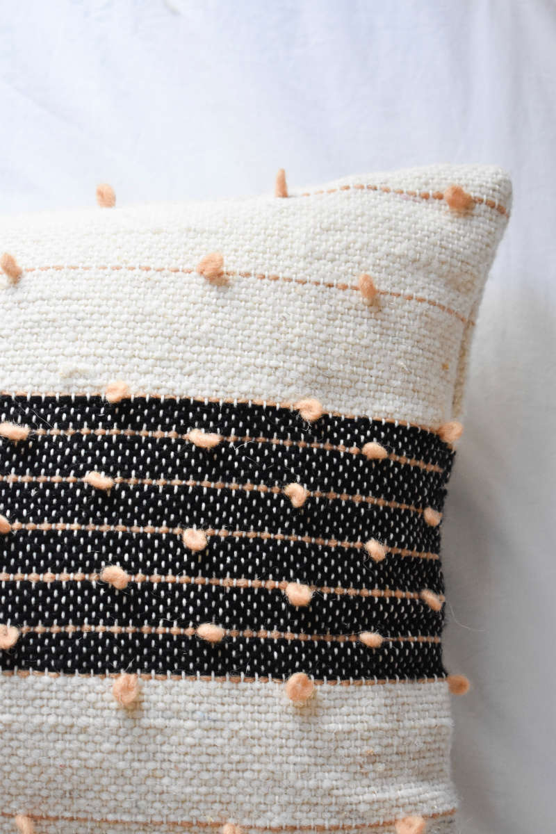 Afaw Lumbar Pillow