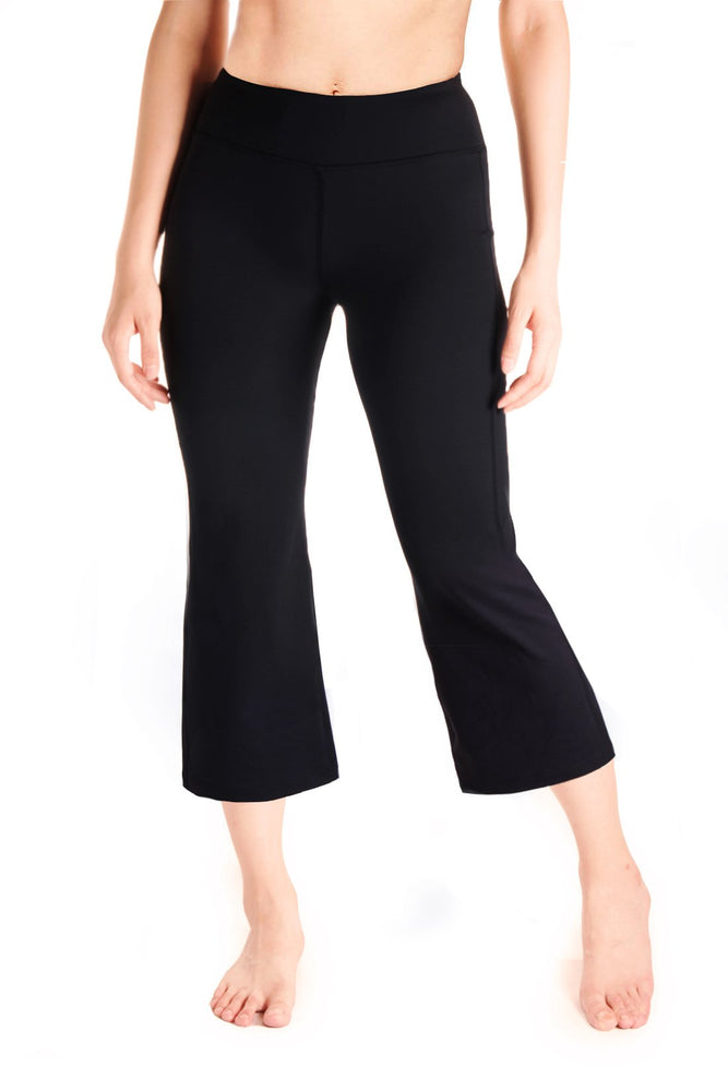 "Yogipace Women's 20""/22""/24"" Flare Capri Pants with Pockets Slim Fit Yoga Pants Lounge Crop Pant (Black)"