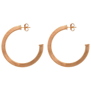 Elisa Hoops in Champagne