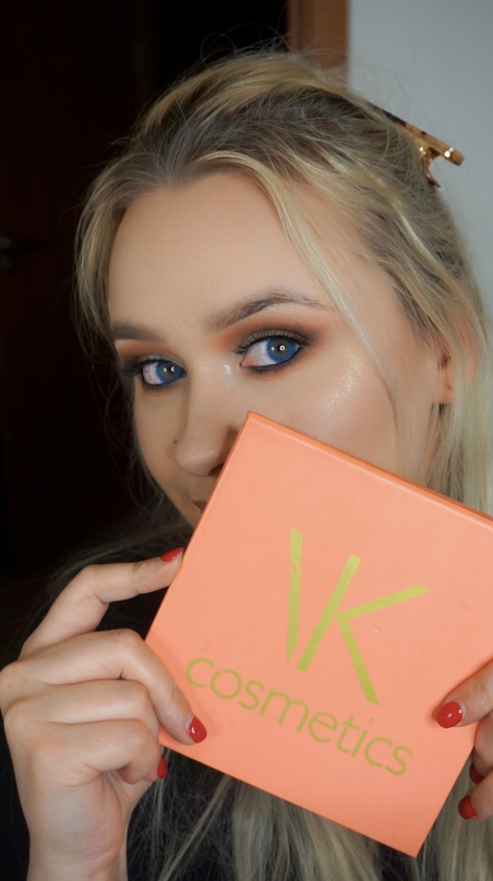 Vkcosmetics palette in action