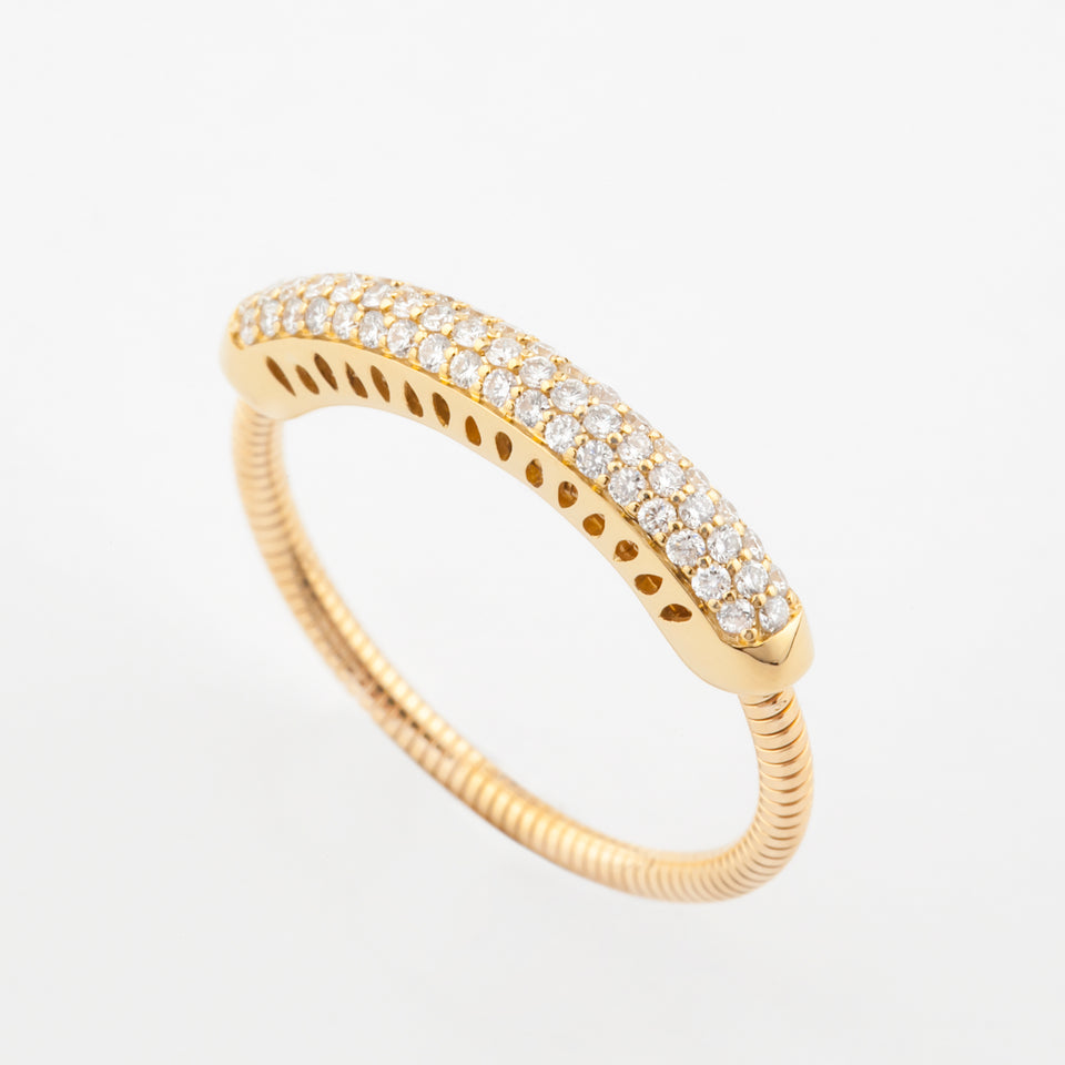 18K Gold Simple Elegant Ring with Diamond