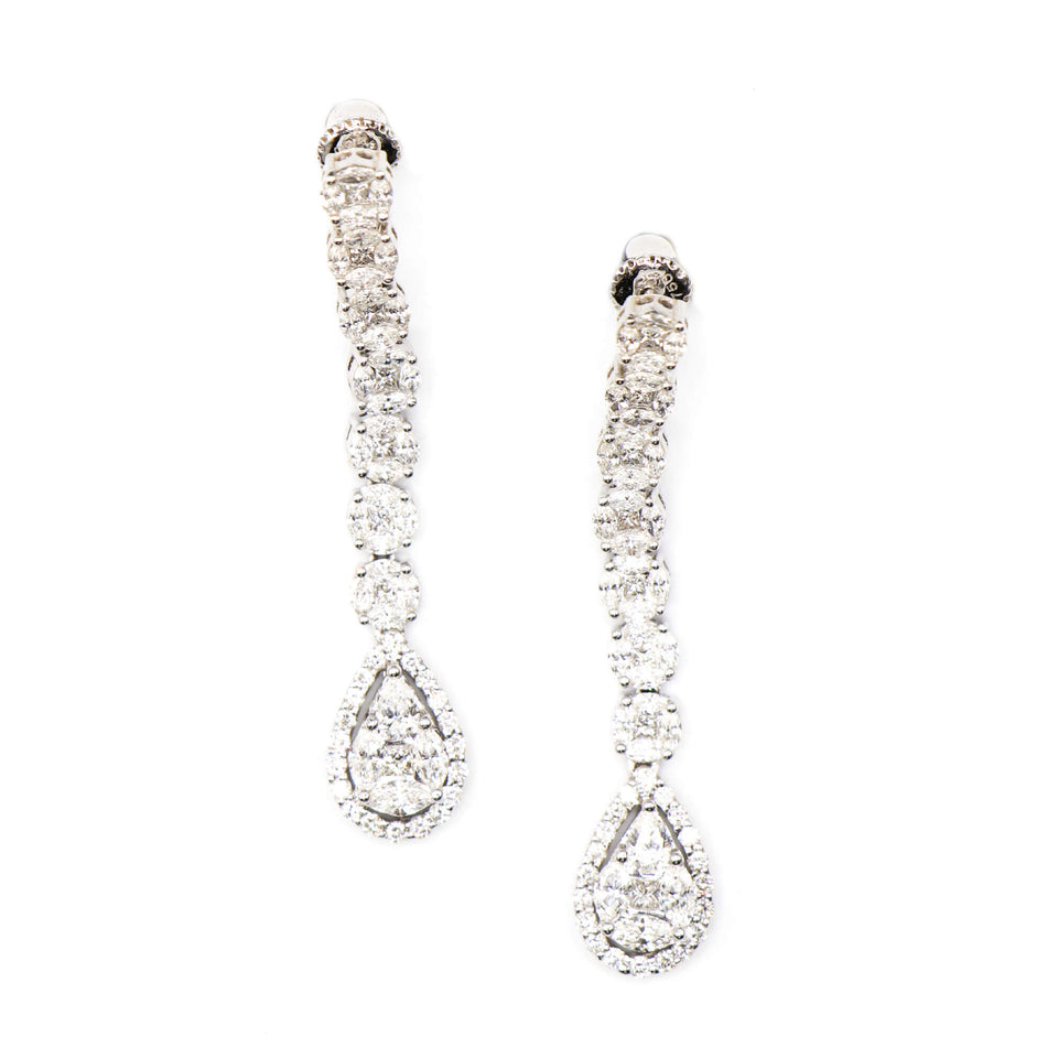 18k white gold drop earrings with pear shape invisible setting