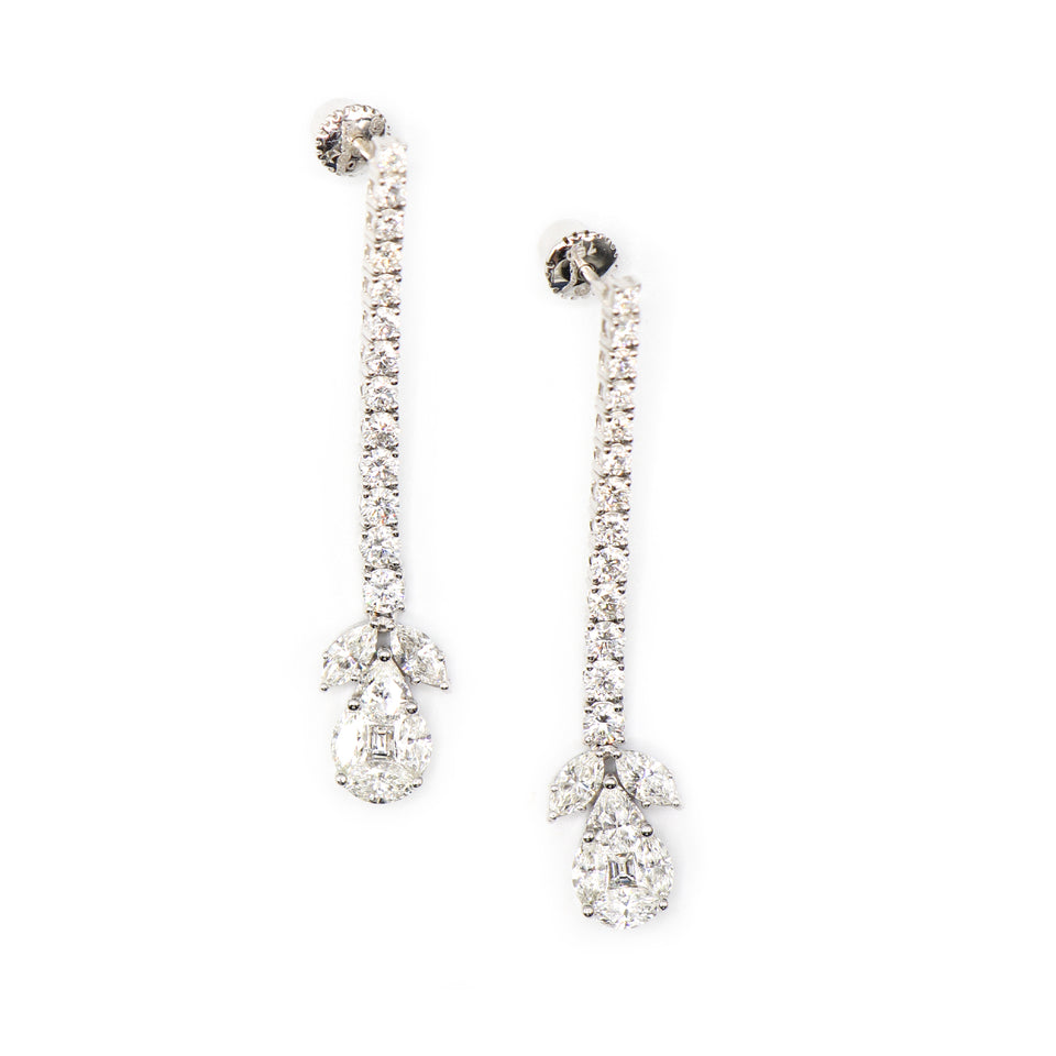 18k white gold earrings with pear hape illusion setting