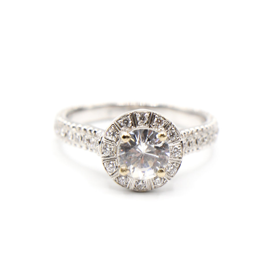 18k white gold soliter ring with shoulder diamond