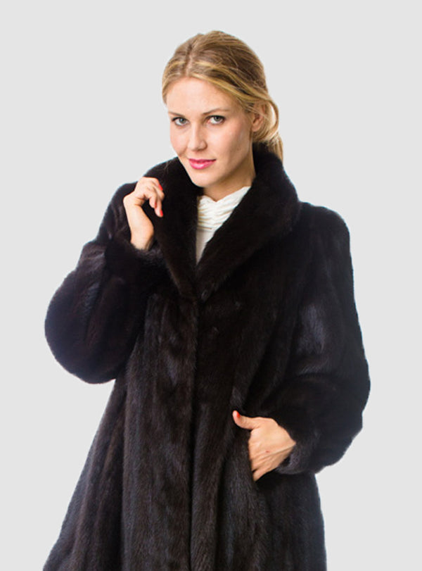 NAFA or SAGA Select Female Mink Fur Coat with Full Swing