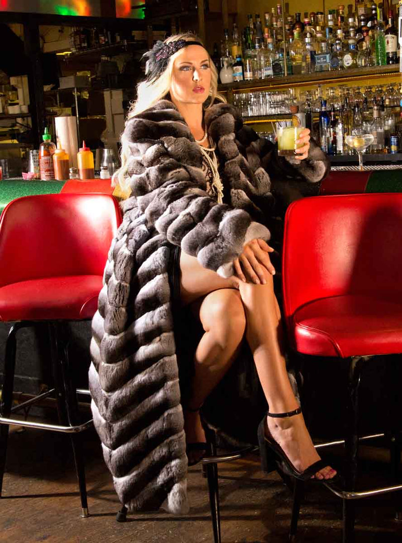 The very finest Chinchilla Fur Coat with Shawl Collar