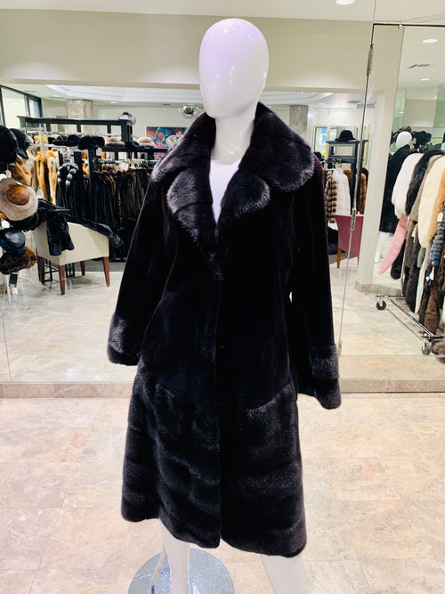 SHEARED MINK COAT WITH NOTCH COLLAR