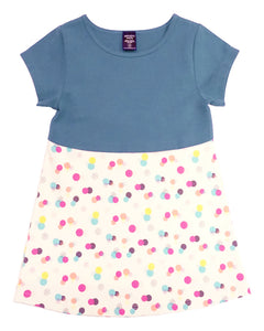 Short-sleeve tunic with a round hem and navy on the top and a colourful stamp print on the bottom. Cut-out details on the back.