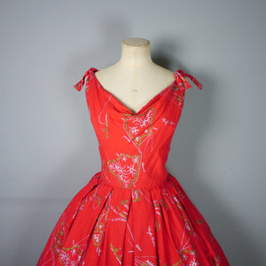 RED 50s ALFRED SHAHEEN HAWAIIAN / TIKI DRESS WITH GOLD PACIFIC OCEAN NOVELTY PRINT - M