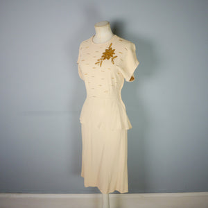 40s EMBELLISHED HONEY AND GOLD CREPE DRESS - M