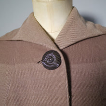 Load image into Gallery viewer, 1940s HARRODS AUTUMNAL COAT IN GRADIATED OMBRE COLOURBLOCK DESIGN - S-M