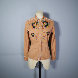 RUST BROWN 60s 70s WESTERN SHIRT WITH EMBROIDERED FLORAL DESIGNS - XS-S