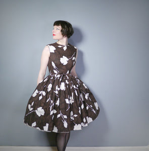 BROWN 50s FULL SKIRT DAY DRESS WITH MID CENTURY WHITE ROSE SILHOUETTE PRINT - S