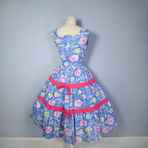 50s FEATHERY FLORAL BLUE COTTON DRESS WITH TIERED FULL SKIRT - M