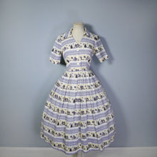 Load image into Gallery viewer, FRED HOWARD 40s 50s NOVELTY PRINT GREY AND YELLOW FENCE AND WOODLAND PRINT DRESS - S