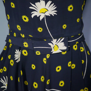 VINTAGE 40s DAISY PRINT FLORAL RAYON DRESS WITH DRAPED NECKLINE - S