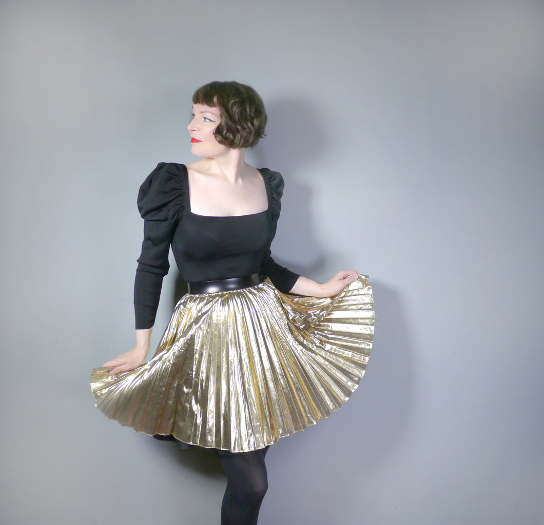 PLEATED METALLIC FOIL GOLD 80s MINI FULL CIRCLE SKIRT - S-M / 26-34