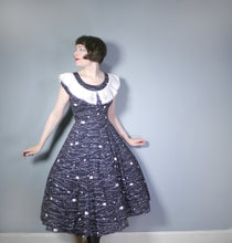 Load image into Gallery viewer, BLACK ABSTRACT PAINT SPATTER PRINT 50s DRESS WITH BIG COLLAR - s