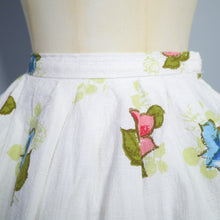 Load image into Gallery viewer, 50s WHITE NOVELTY FRUIT AND FLOWER BASKET PRINT BORDER SKIRT BY BANDOLA - 26""