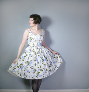 VINTAGE WHITE 50s PAINTERLY BLUE ROSE PRINT COTTON DAY DRESS - S