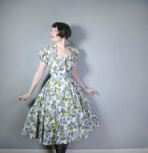 "Load image into Gallery viewer, 50s NOVELTY PRINT ""SILGRENE"" DRESS WITH PUFF SLEEVES AND FULL CIRCLE SKIRT - S"