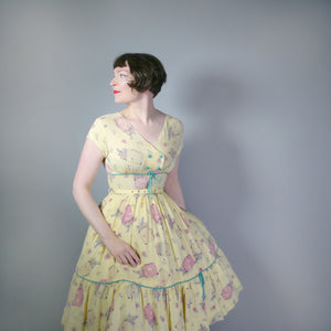 50s 60s YELLOW NOVELTY SUITCASE PRINT TRAVEL THEME DRESS - S