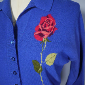 60s BLUE PRINGE CASHMERE CARDIGAN WITH STEMMED RED ROSE INTARSIA - S-M