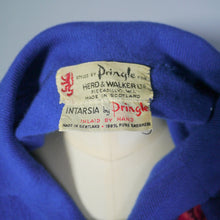 Load image into Gallery viewer, 60s BLUE PRINGE CASHMERE CARDIGAN WITH STEMMED RED ROSE INTARSIA - S-M